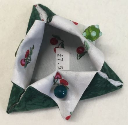 Triangular Thread Catcher green cherries
